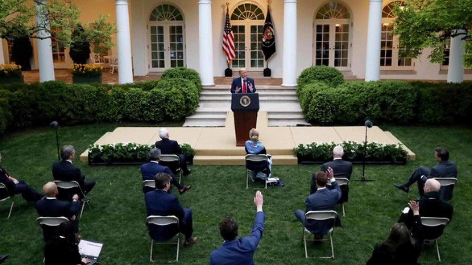 Tổng thống Trump công bố chỉ dẫn mở cửa lại nền kinh tế