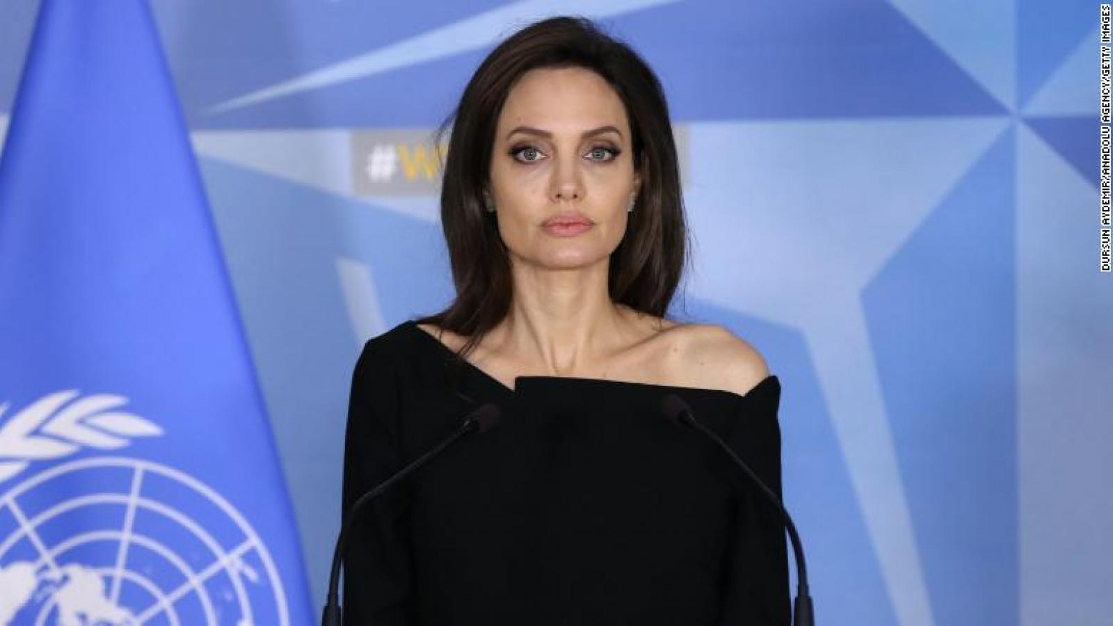 Angelina Jolie kêu gọi hãy kết nối giữ liên lạc với nhau khi tự cách ly