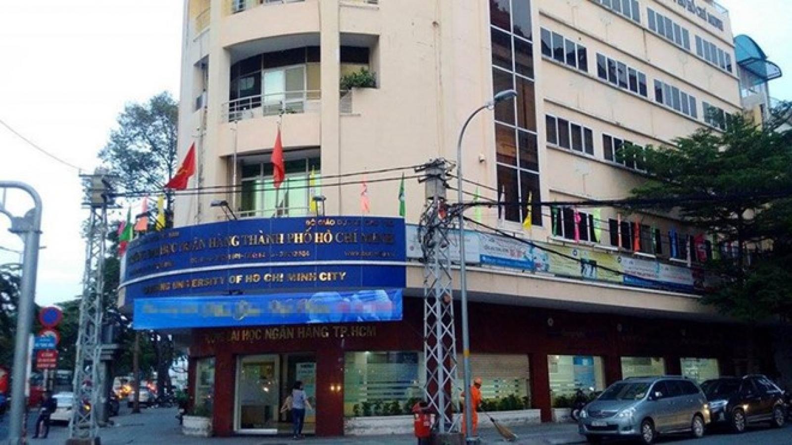 TS Bùi Quang Tín tử vong: Tiếp tục đình chỉ 7 cán bộ ĐH Ngân hàng