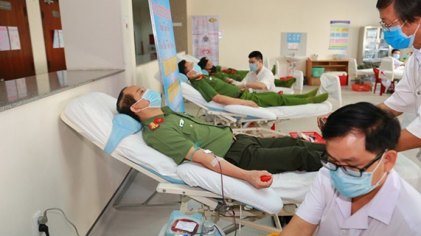 Thừa Thiên-Huế: Hơn 1.200 cán bộ, chiến sĩ công an tham gia hiến máu