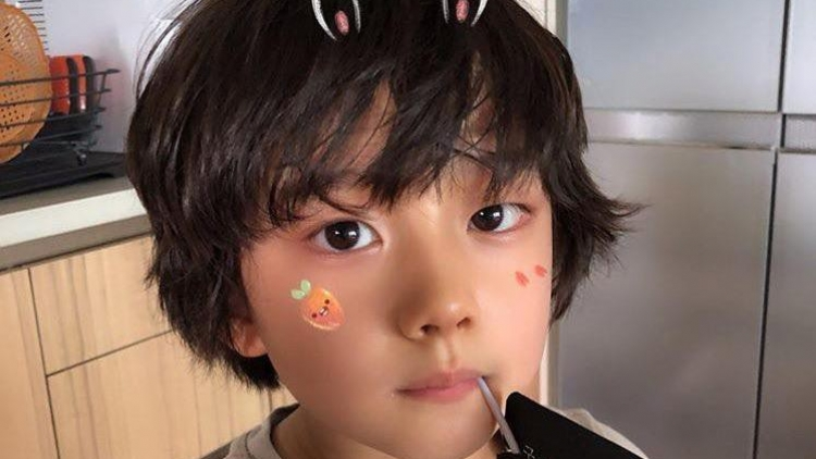 """Sao nhí """"Ký sinh trùng"""" gây sốt khi vào vai Lee Min Ho hồi nhỏ"""