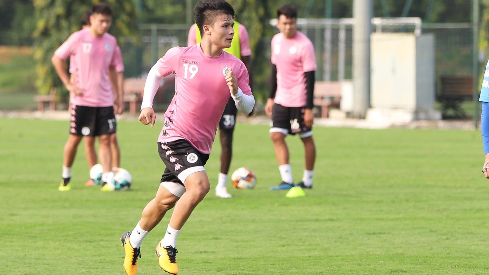 Ảnh: Quang Hải và đồng đội miệt mài tập luyện chờ V-League 2020 trở lại