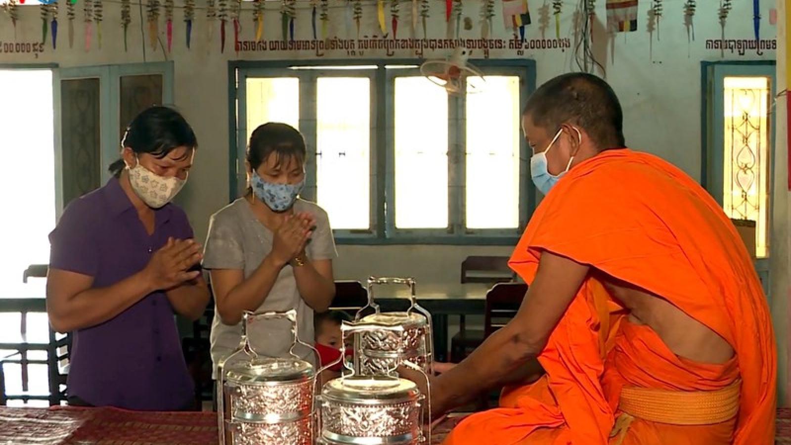 Đồng bào Khmer Nam bộ đón tết Chôl Chnăm Thmây với tinh thần chống dịch
