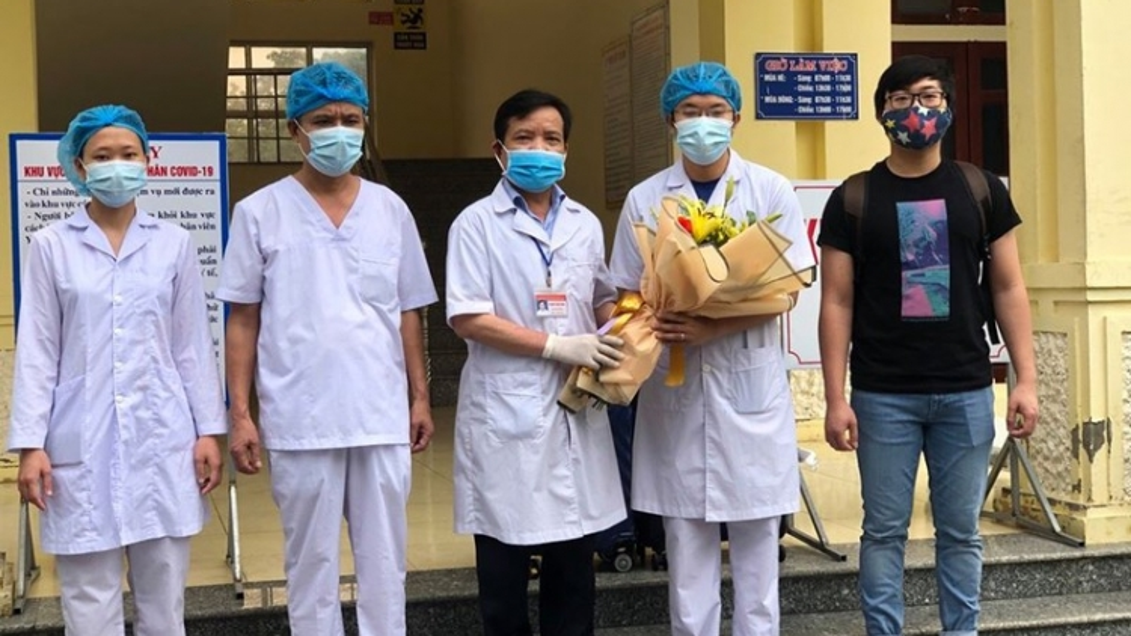 Việt Nam điều trị khỏi cho 214 ca mắc Covid-19