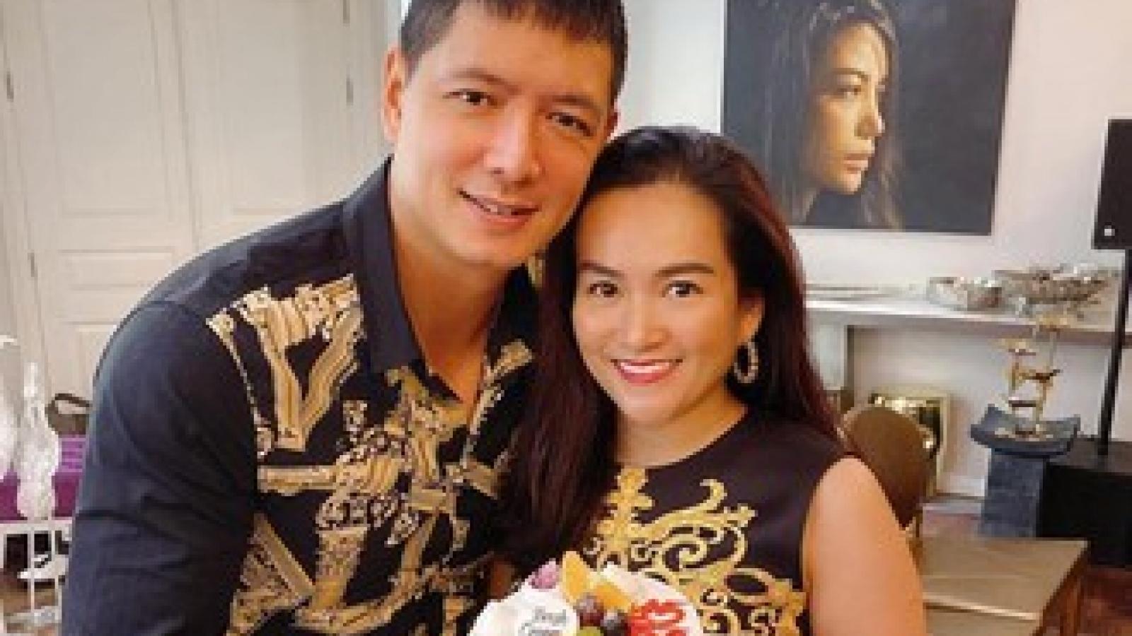 Diễn viên Bình Minh và bà xã ngọt ngào kỉ niệm 12 năm ngày cưới