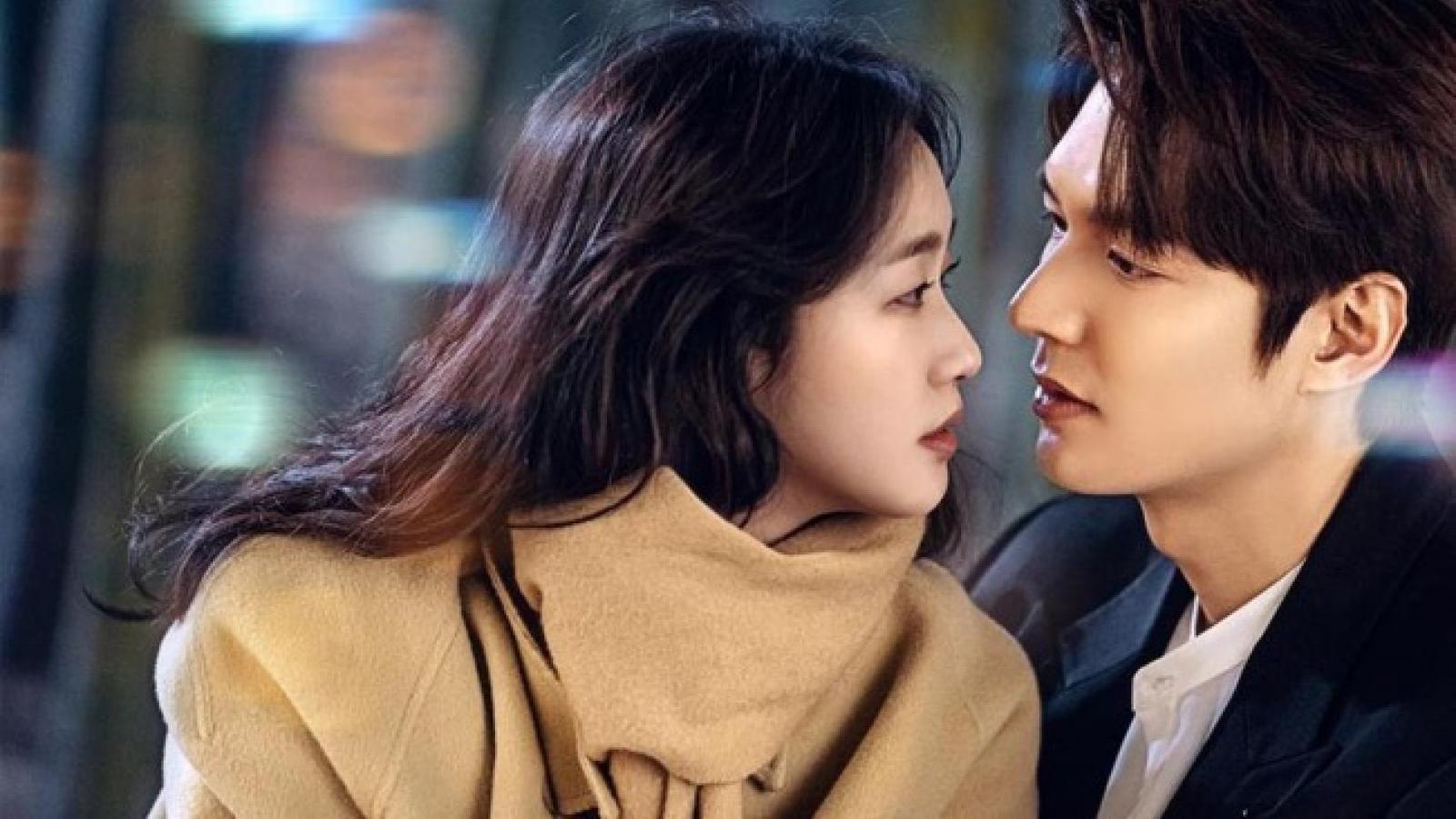 Khán giả phấn khích khi Lee Min Ho bất ngờ cầu hôn Kim Go Eun