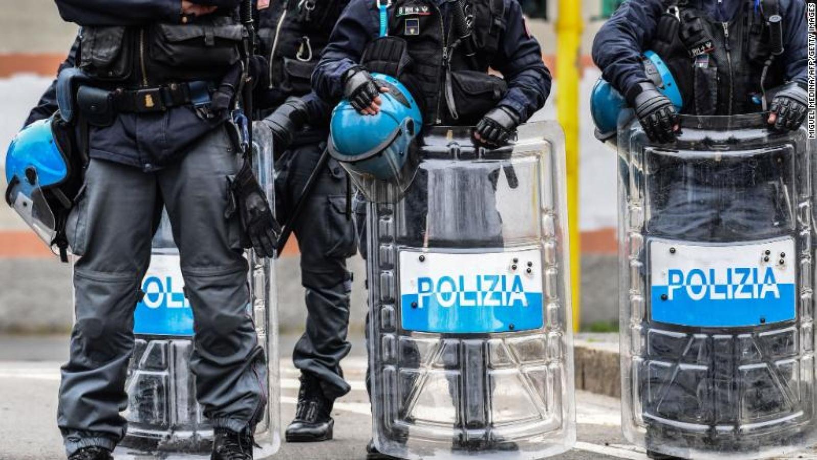 """Tranh cãi việc một số """"ông trùm"""" mafia Italy được ra tù vì Covid-19"""