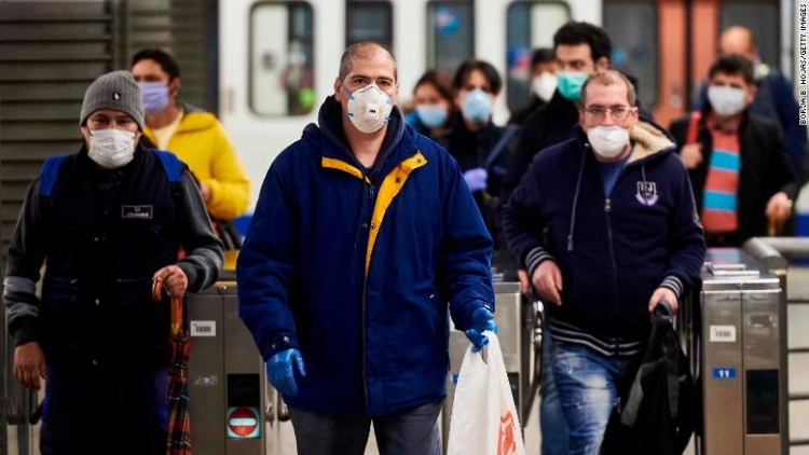 Tây Ban Nha nới lỏng phong tỏa, 300.000 công nhân trở lại làm việc