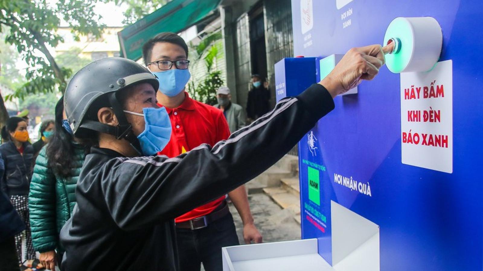 """""""ATM thực phẩm miễn phí"""" của Báo Người Lao Động khai trương tại Hà Nội"""