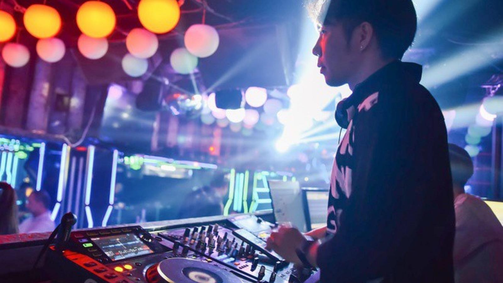 TP. HCM tiếp tục dừng hoạt động quán bar, club, trung tâm thể thao