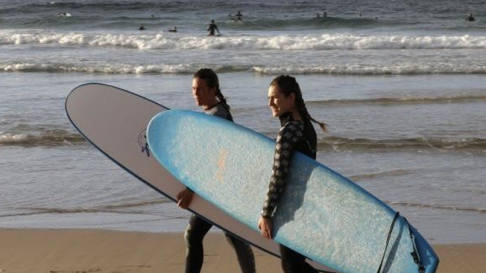 Australia mở cửa một số bãi biển mang tính biểu tượng của Sydney