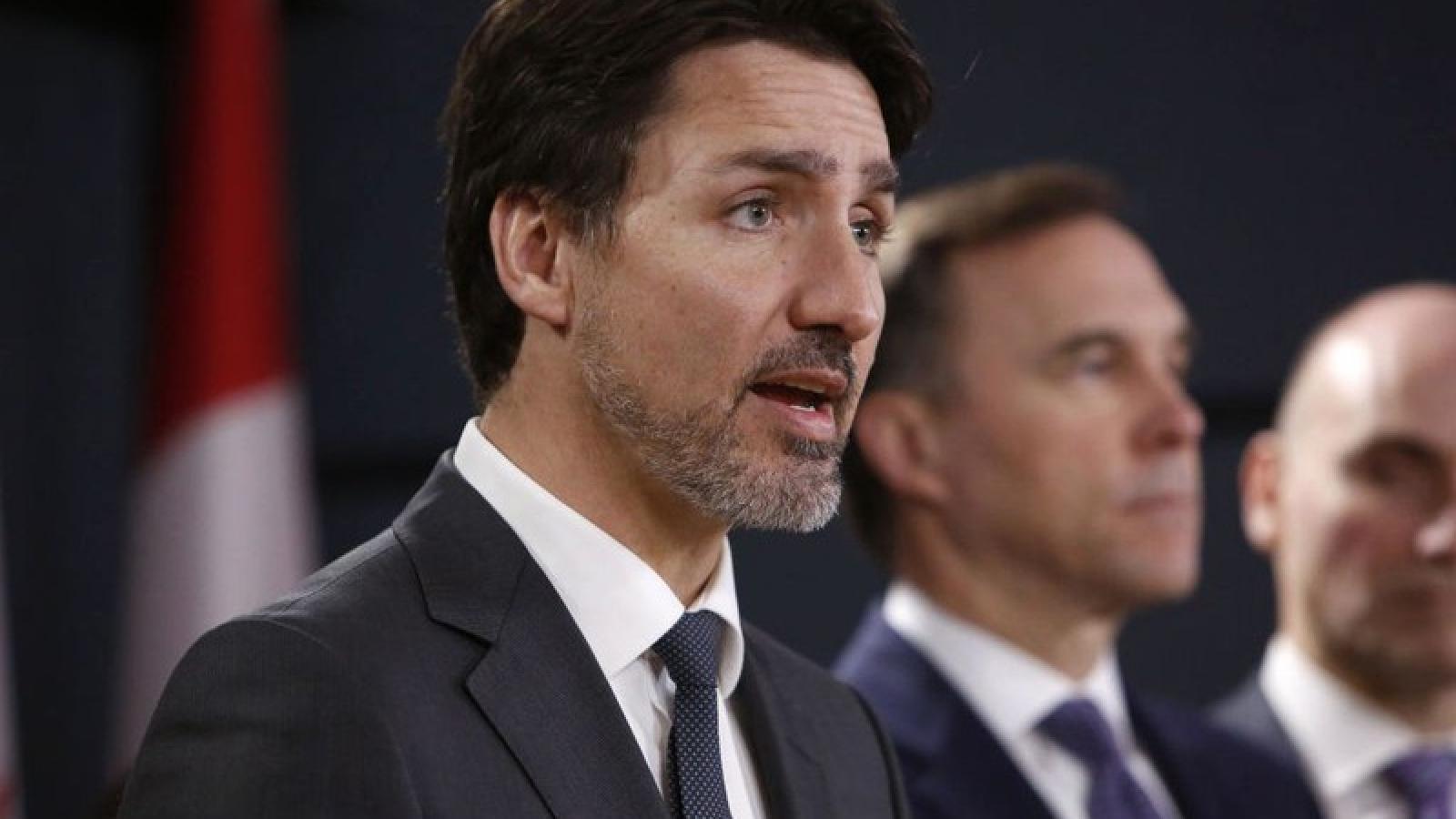 Canada tuyên bố chưa mở cửa nền kinh tế tới khi có đủ thiết bị bảo hộ cá nhân