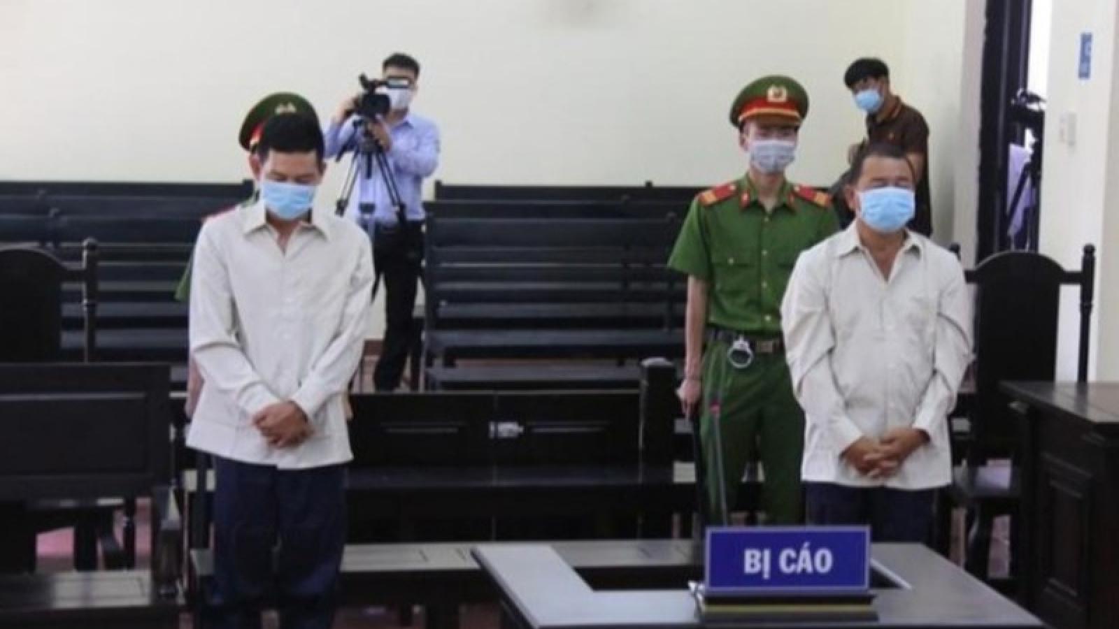 21 tháng tù cho hai đối tượng xé biên bản, đánh cán bộ phòng Covid-19