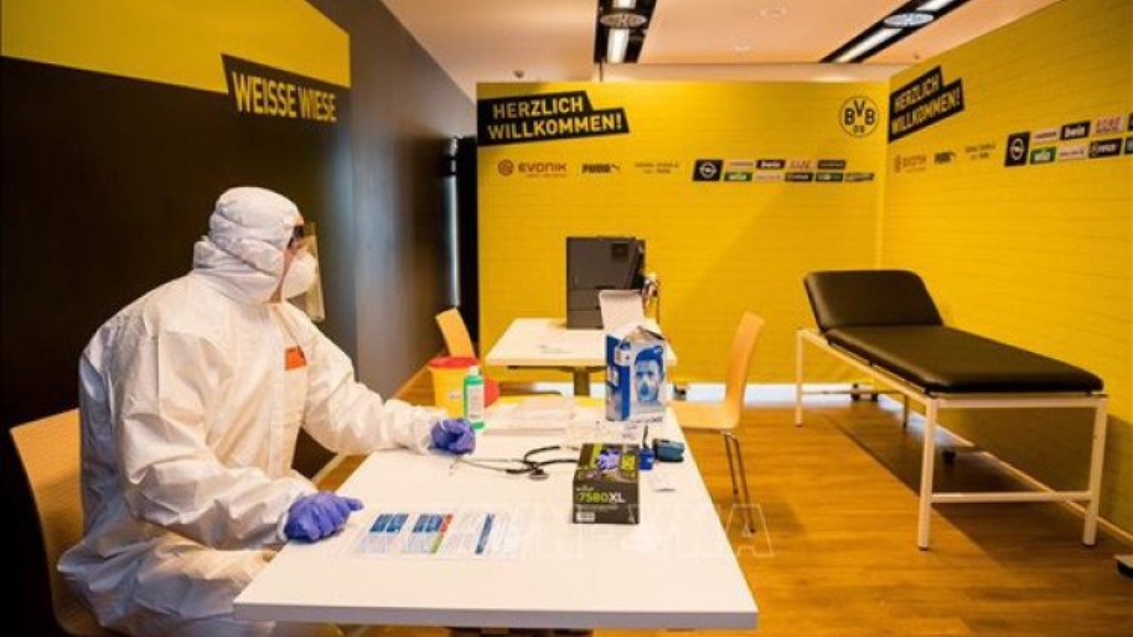 Đức lần đầu cho thử nghiệm vaccine phòng Covid -19 trên người