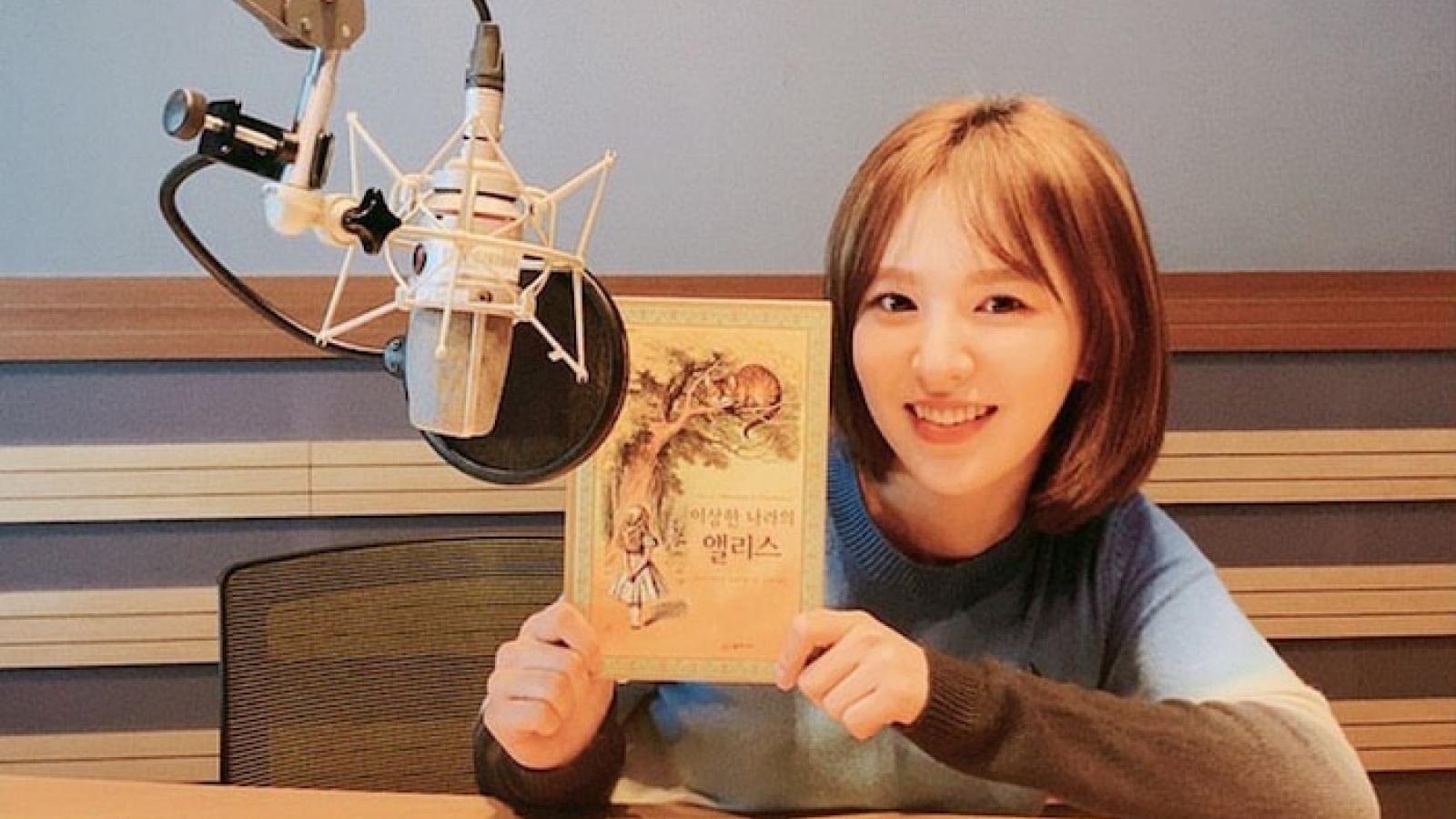 Wendy (Red Velvet) xuất hiện tươi tắn sau tai nạn nghiêm trọng