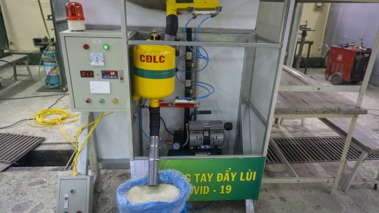 """Cây ATM gạo """"lưu động"""" giúp bà con vùng khó ở Lào Cai"""