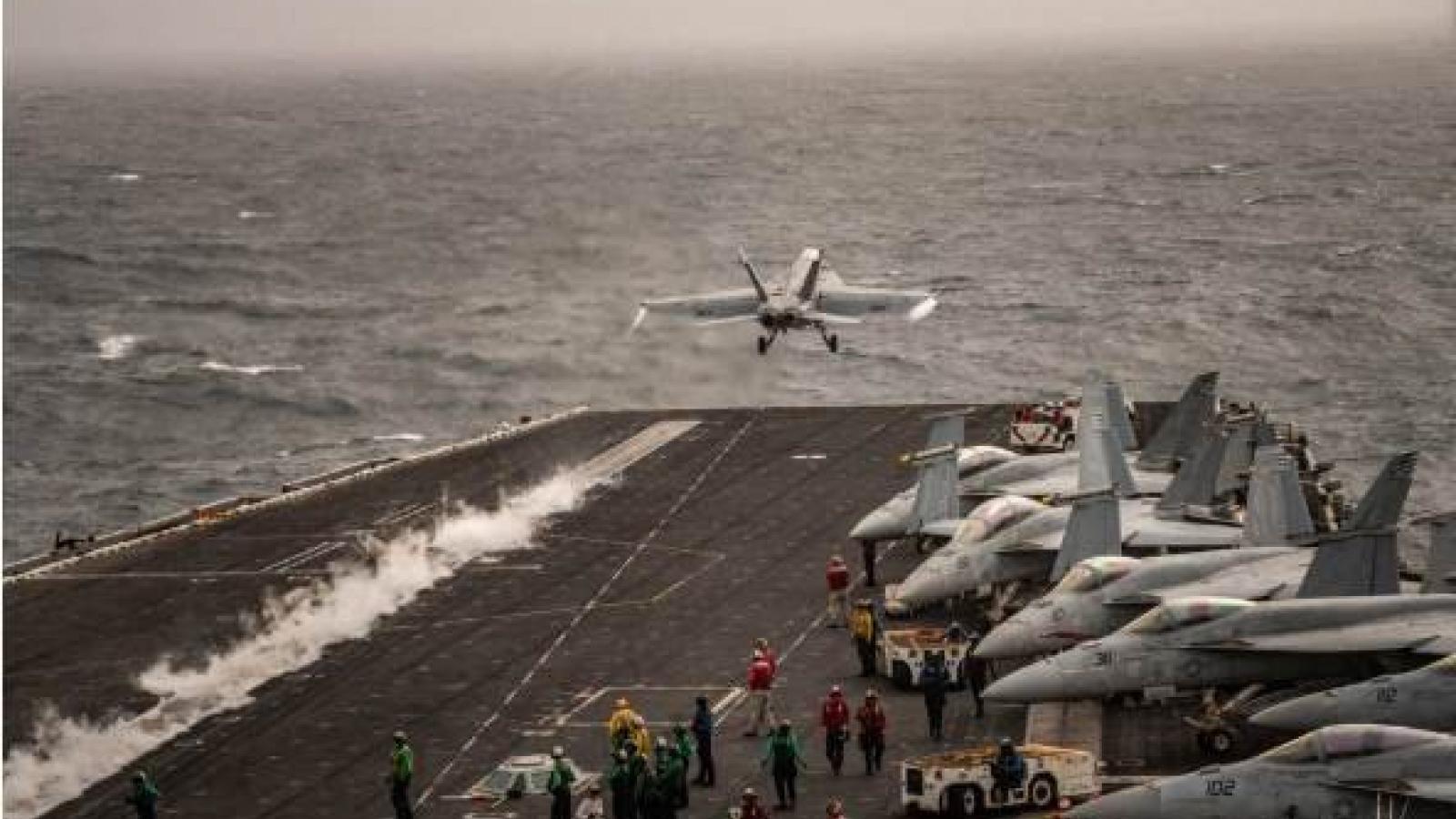 Tổng thống Trump dọa tấn công nếu tàu chiến Iran khiêu khích