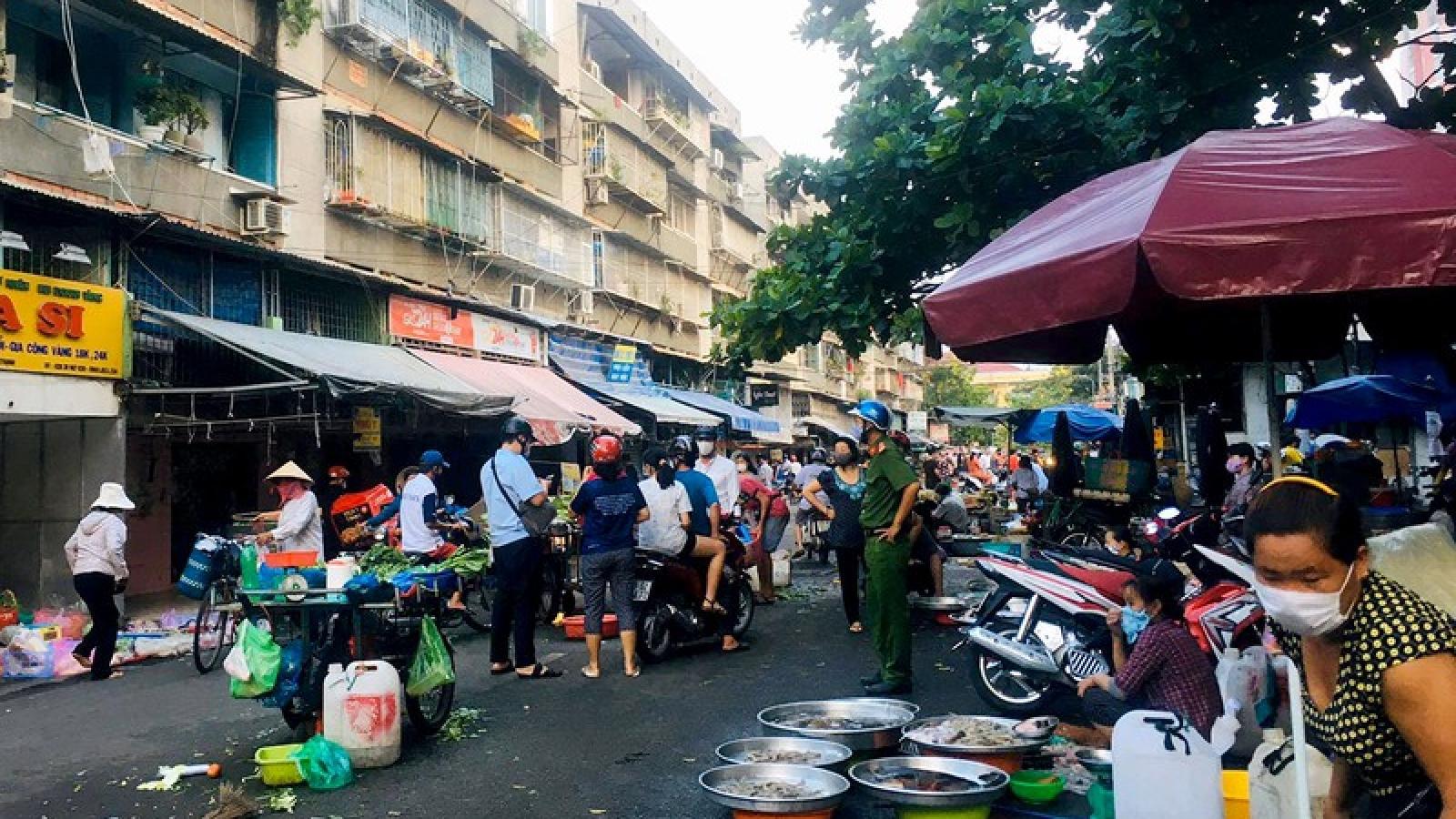 TPHCM yêu cầu chợ truyền thống phải có lối vào và lối ra riêng