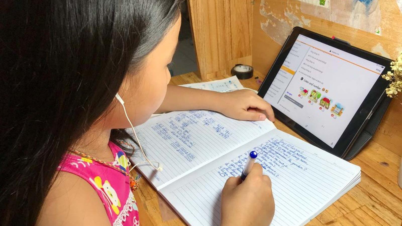 Dạy và học trực tuyến tại Đà Nẵng còn bộn bề khó khăn