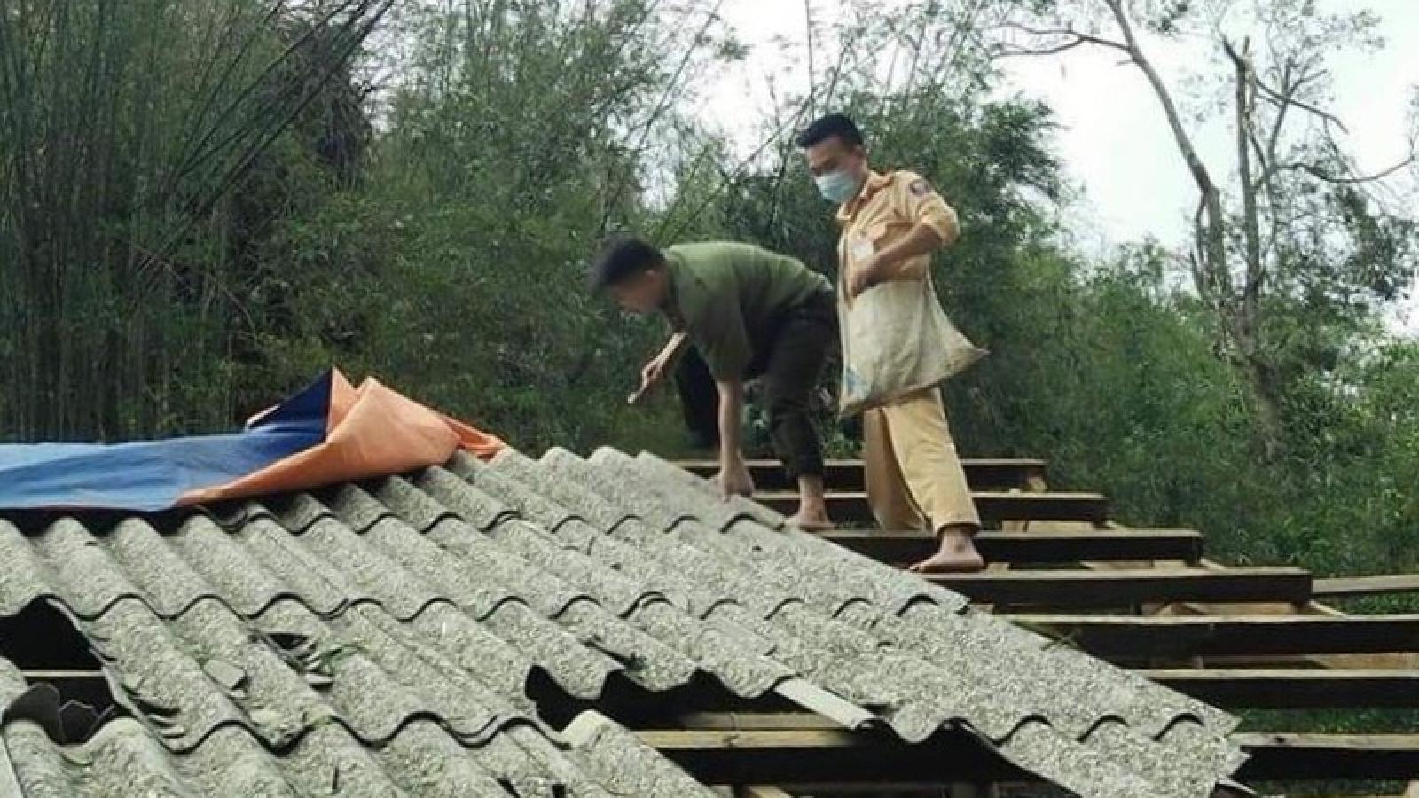 1 người chết, 4 người bị thương do mưa đá, dông lốc tại Sơn La