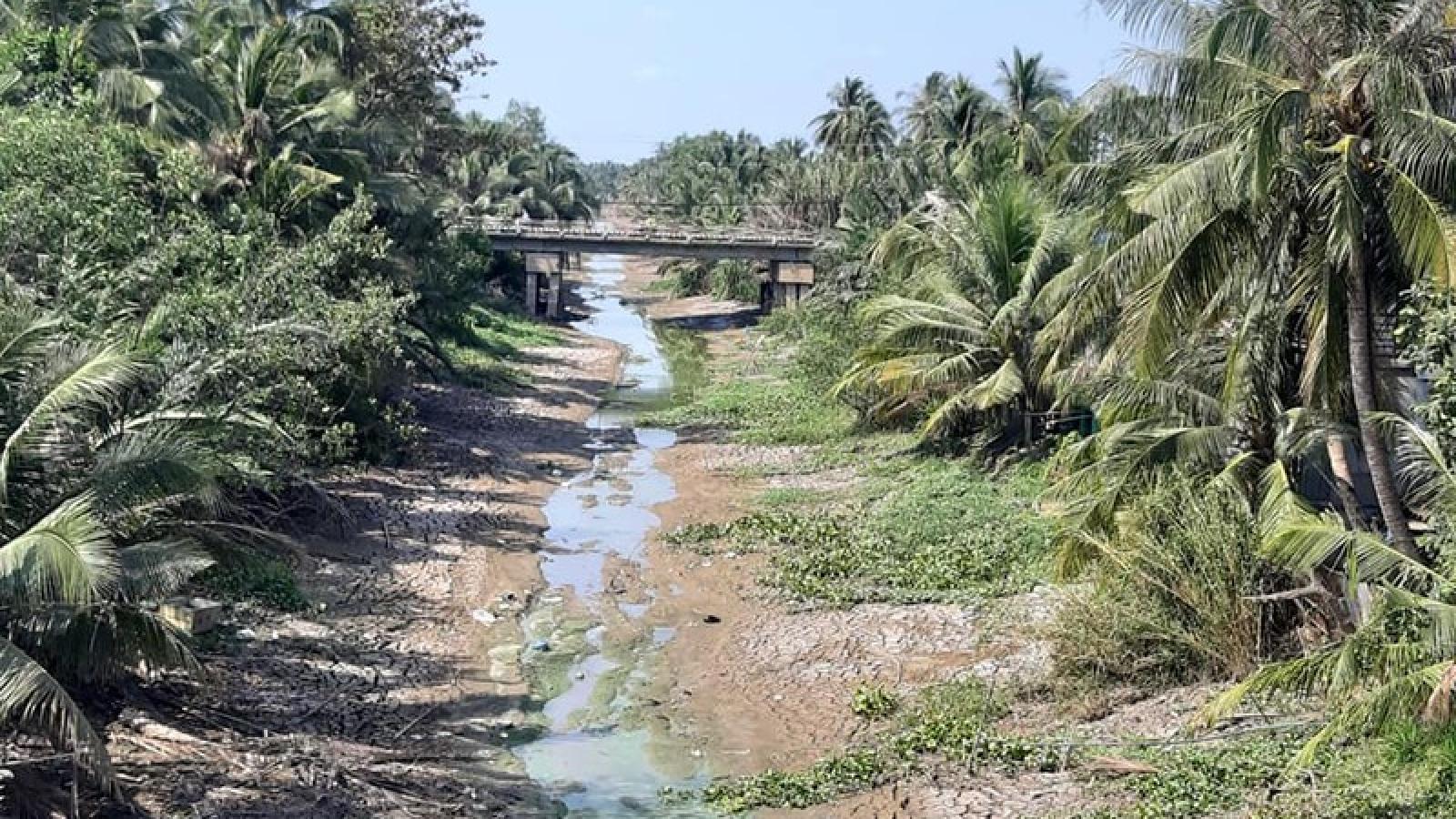 Hơn 13,4km kênh thủy lợi ở Tiền Giang bị sạt lở mùa khô hạn