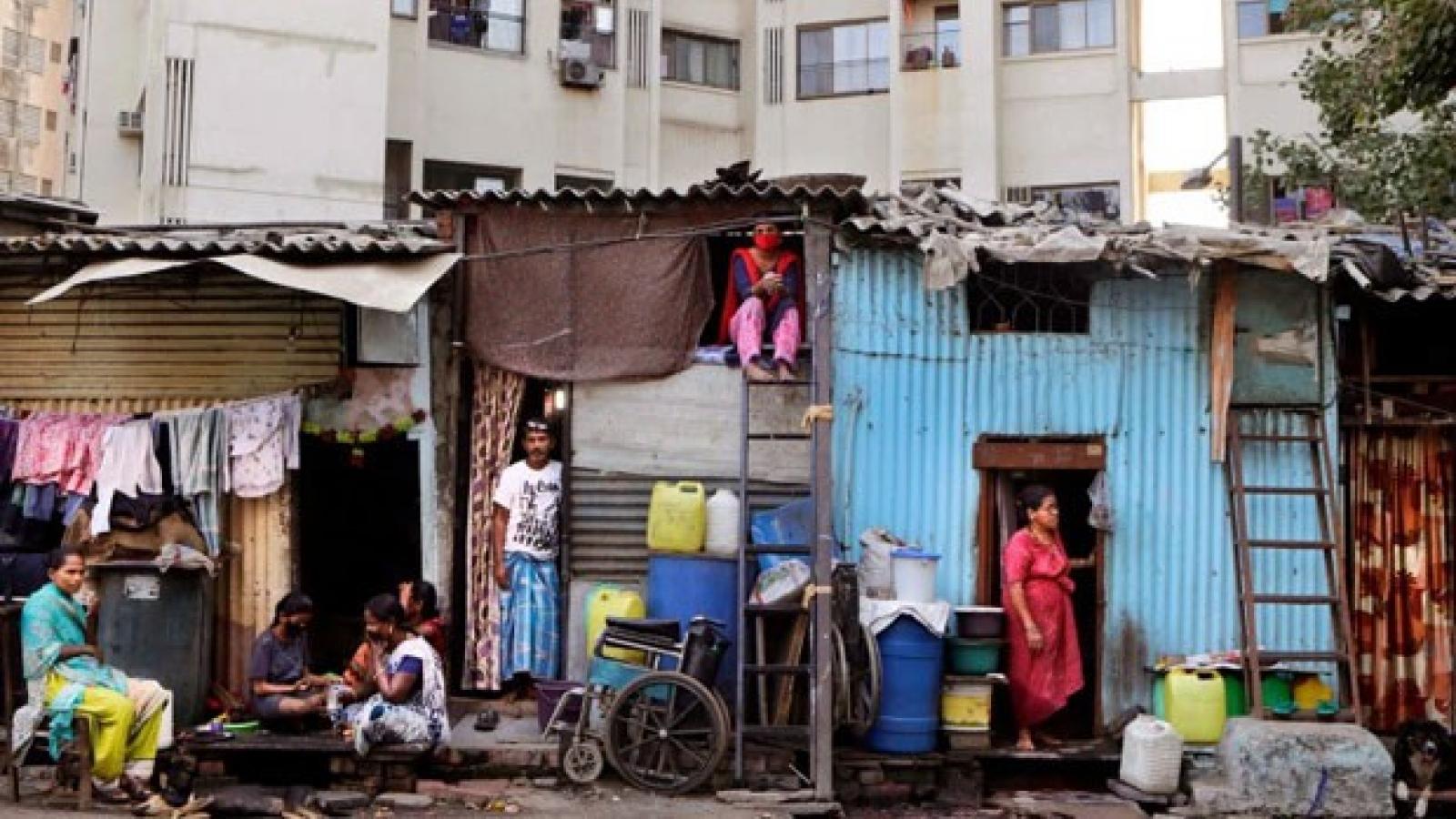 """""""Nhiệm vụ Dharavi"""": Giải cứu khu ổ chuột lớn nhất Ấn Độ khỏi Covid-19"""