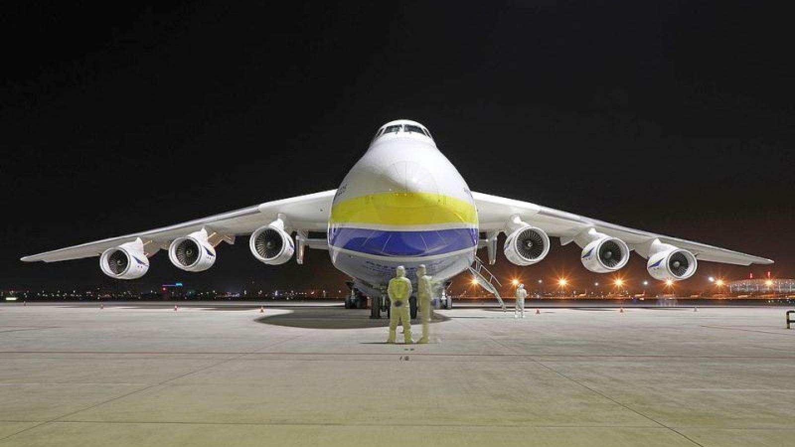 Ba Lan thuê máy bay lớn nhất thế giới chở vật tư y tế từ Trung Quốc