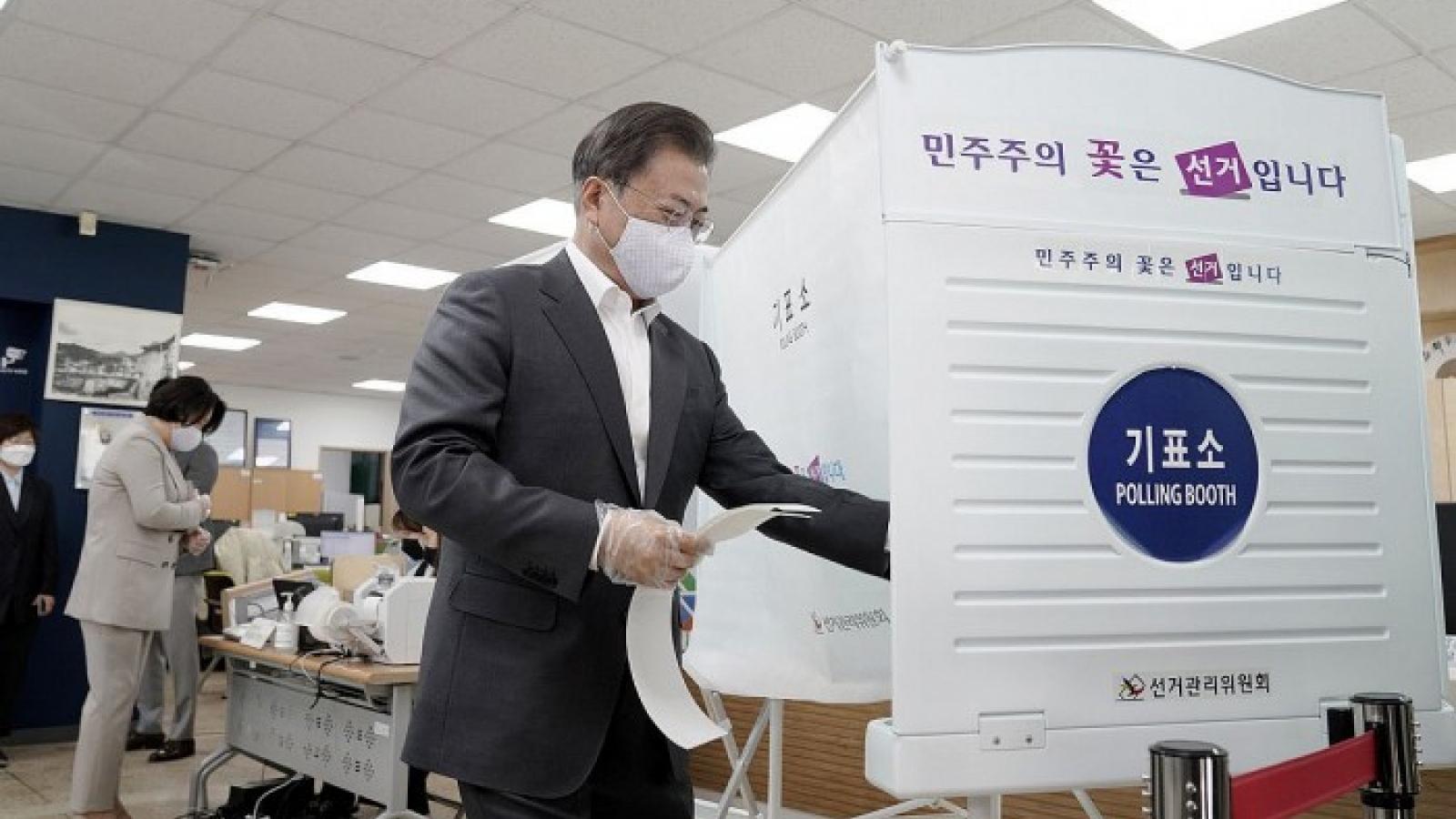 Dịch Covid-19 đặt ra thách thức lớn cho các cuộc bầu cử trên thế giới