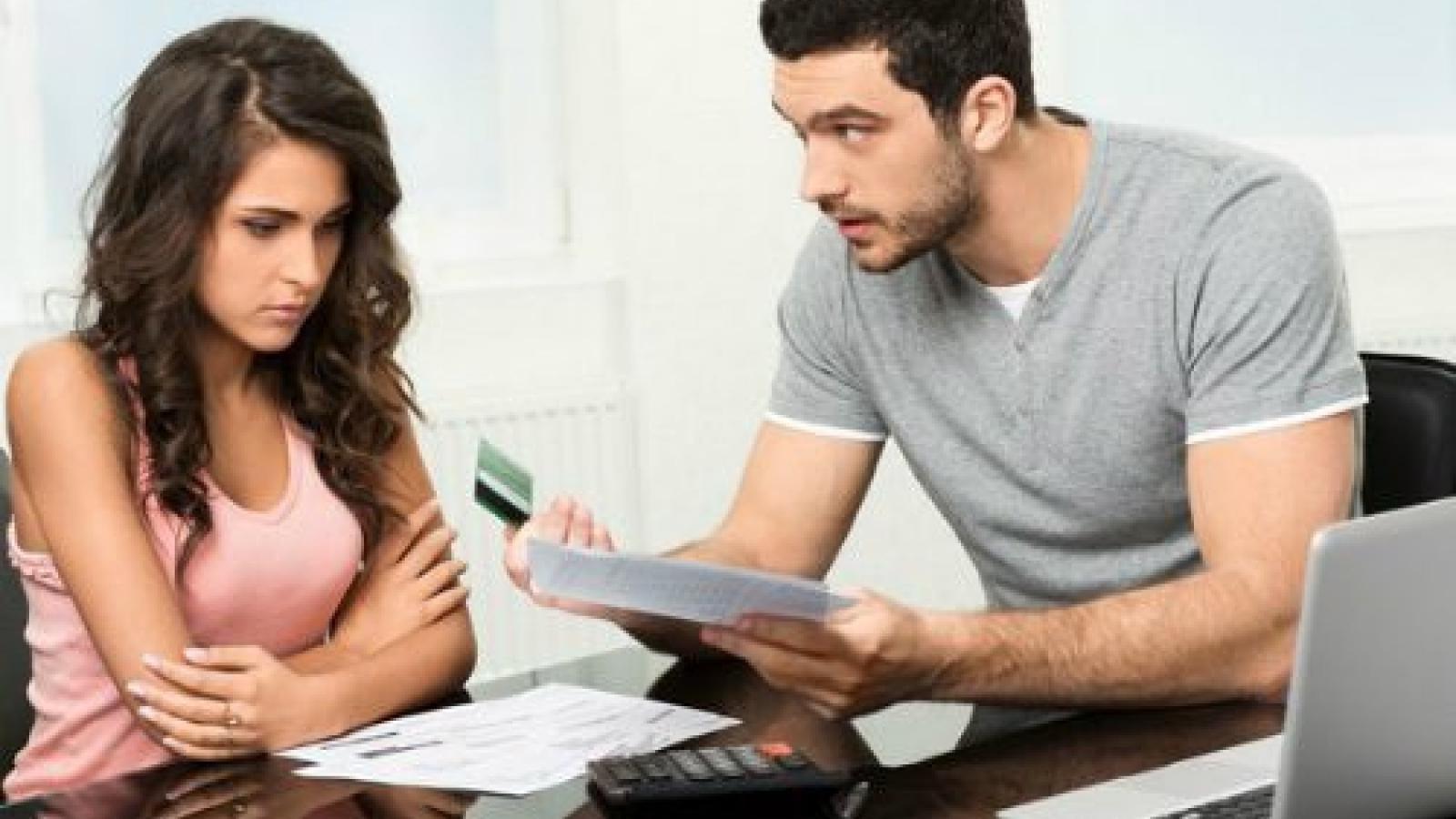 """Chồng đòi ly hôn vì vợ ham """"làm giàu"""" bằng đa cấp"""