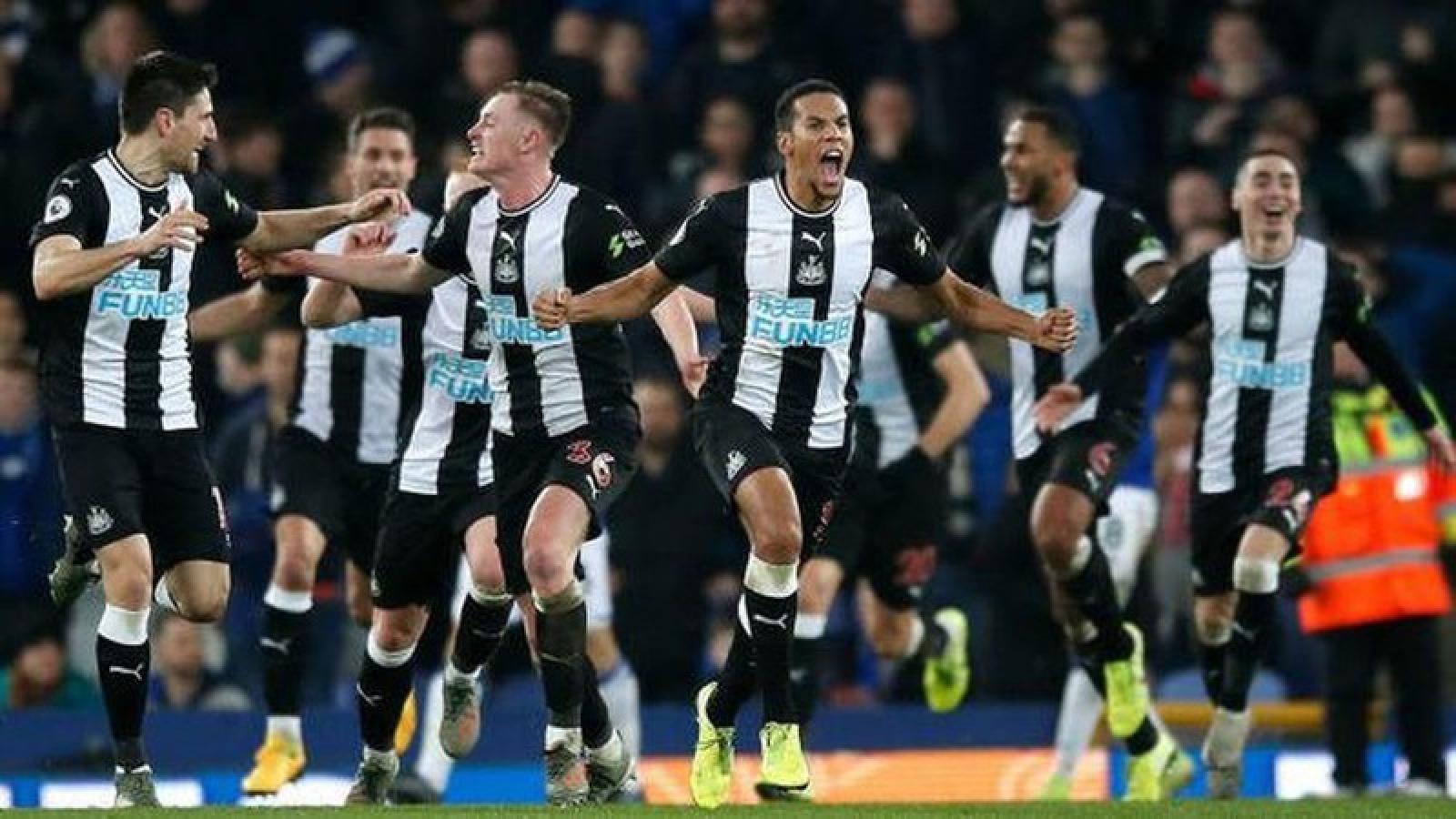 """Newcastle hứa hẹn """"thách thức"""" cả Ngoại hạng Anh khi có ông chủ mới"""