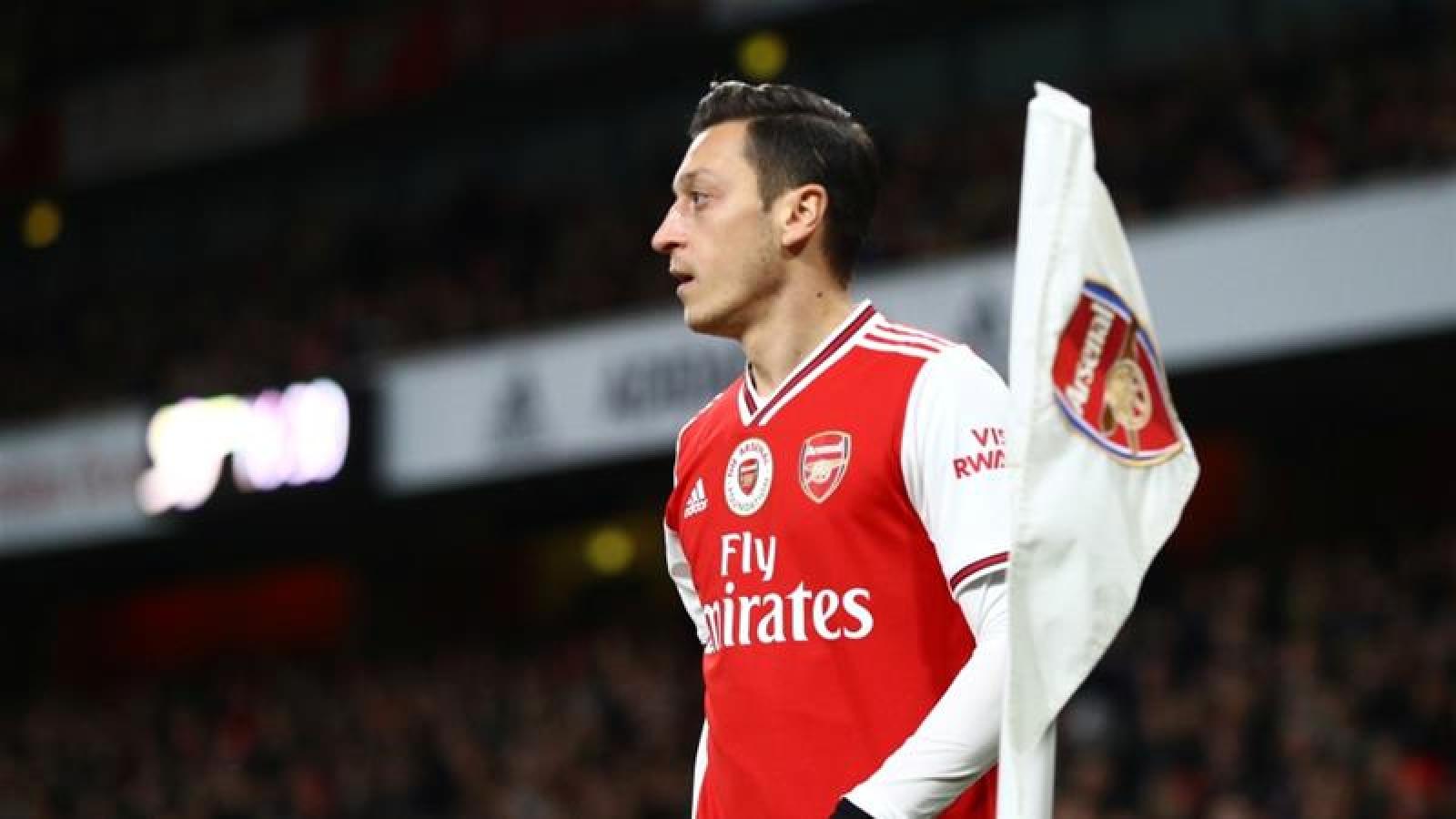 Mesut Ozil từ chối giảm lương dù Arsenal đã ra thông báo chính thức
