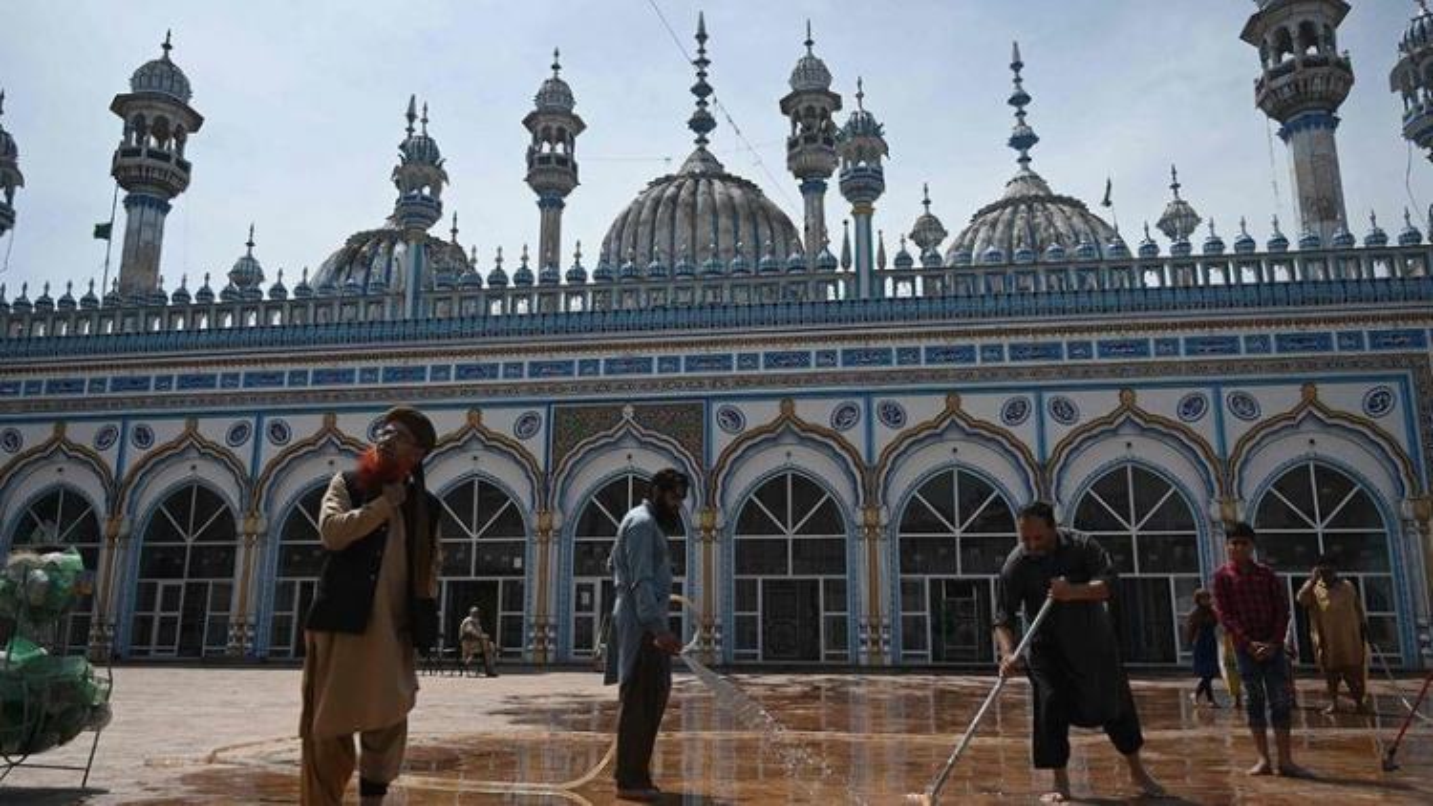 Gần 2 tỷ tín đồ Hồi giáo trên thế giới chính thức bước vào tháng lễ Ramadan