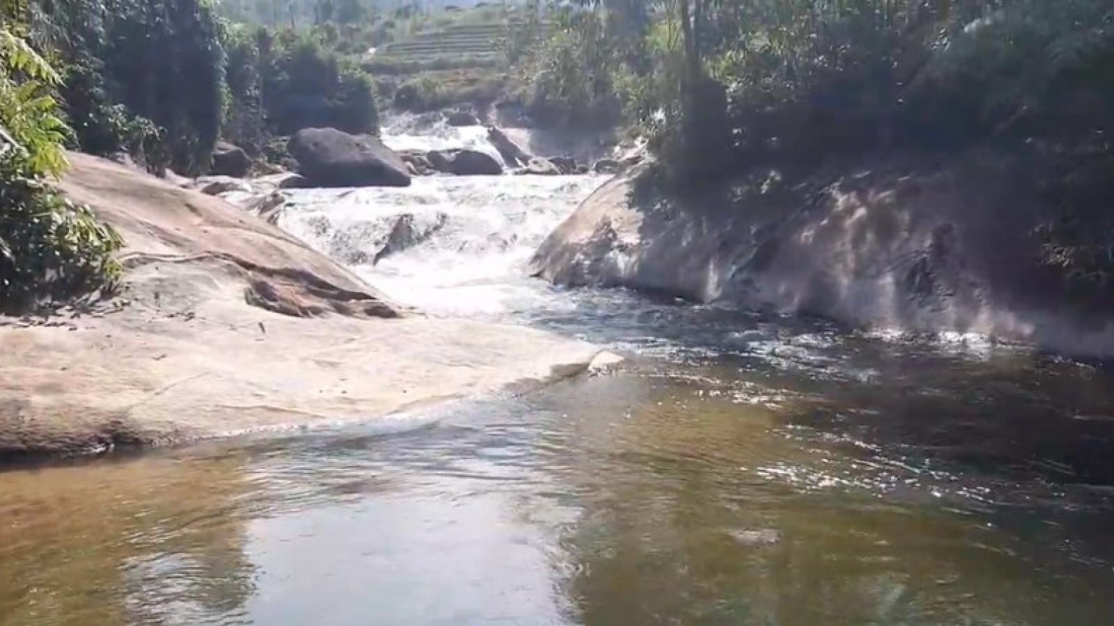 Cứu sống kịp thời 2 phụ nữ đuối nước khi tắm biển Cửa Lò
