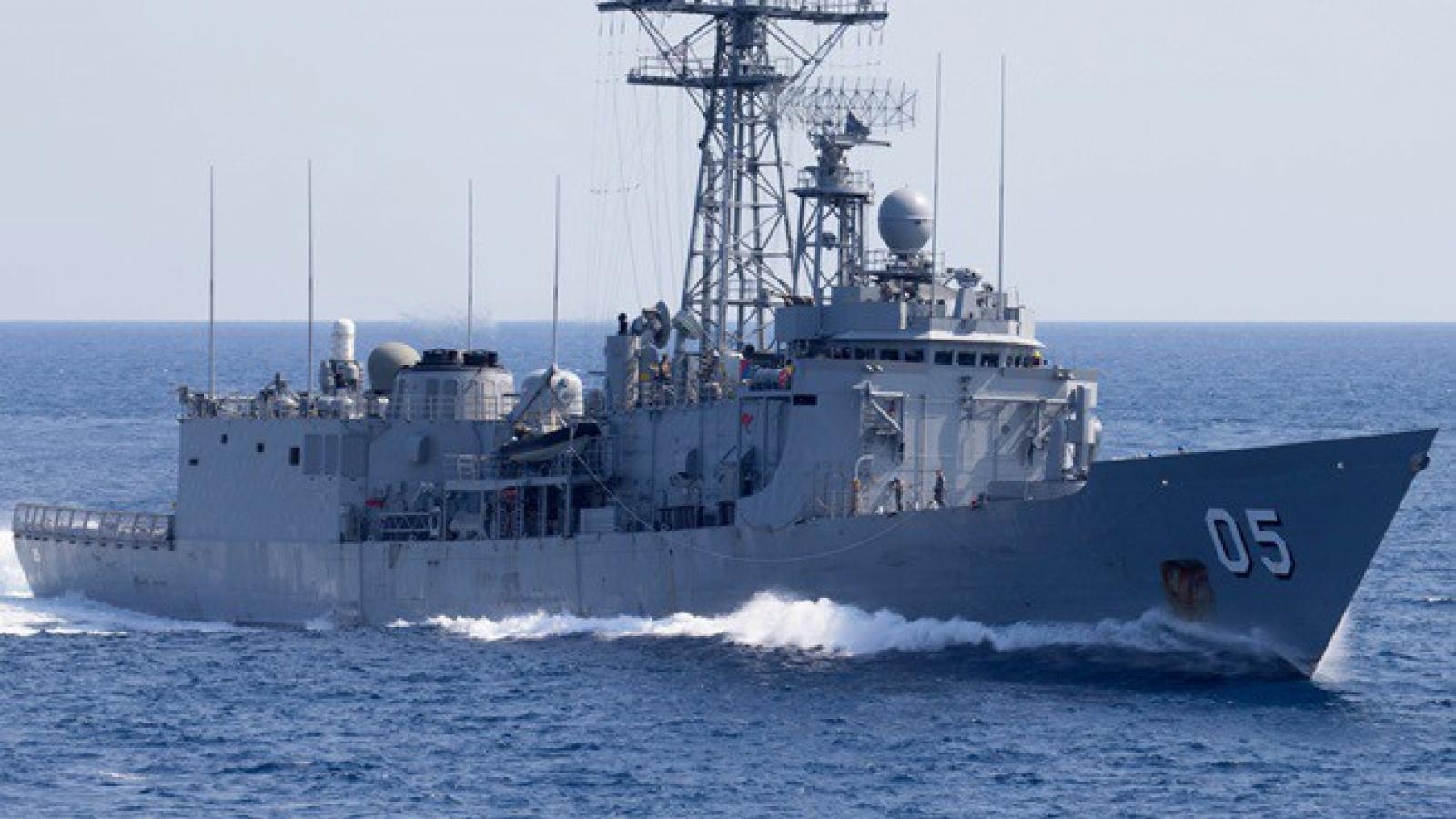 Australia bán 2 tàu khu trục cũ cho Chile