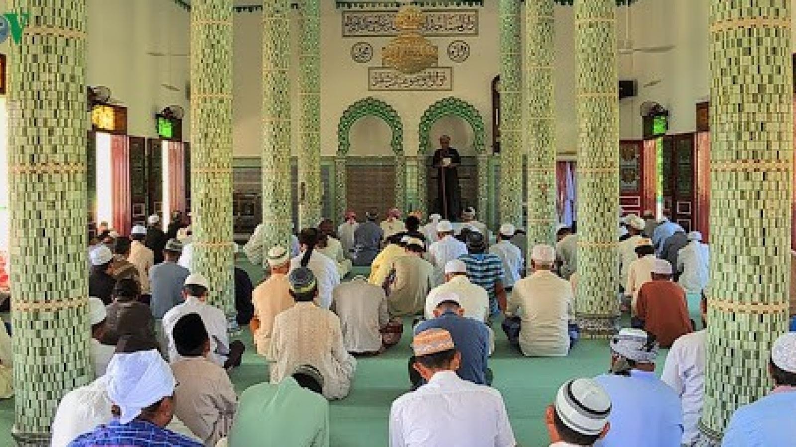 Yêu cầu các cơ sở thờ tự không tổ chức sinh hoạt tôn giáo đông người