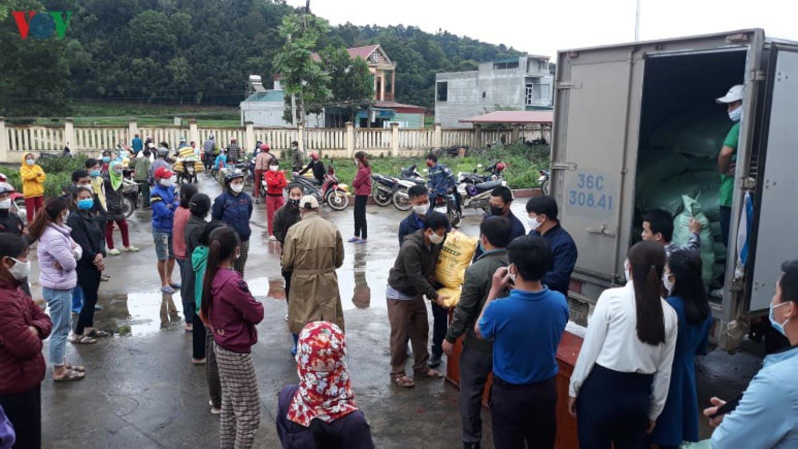 Câu lạc bộ báo chí Thanh Hóa hỗ trợ hàng chục tấn gạo cho người nghèo