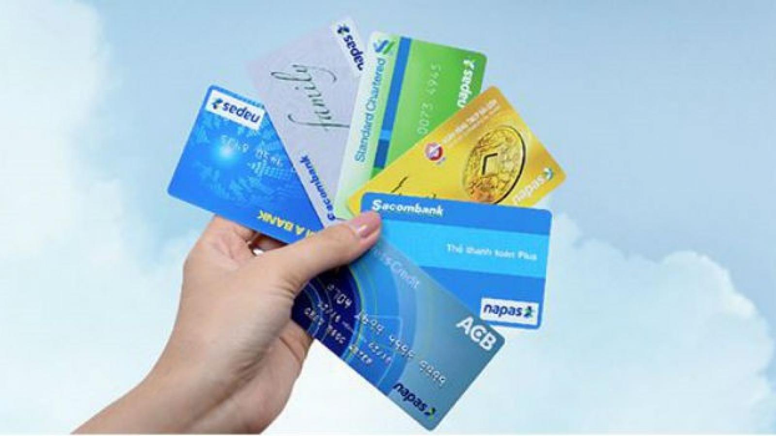 Ngân hàng miễn phí chuyển tiền hỗ trợ người dân gặp khó khăn do dịch