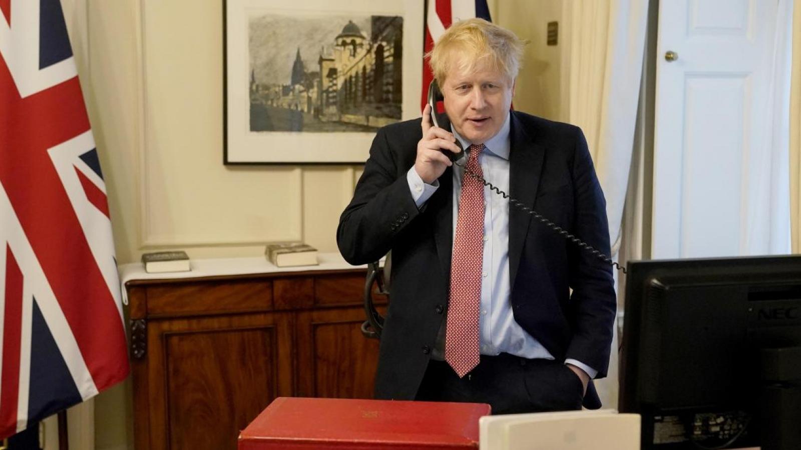 Thủ tướng Anh điện đàm với Tổng thống Mỹ về Covid-19