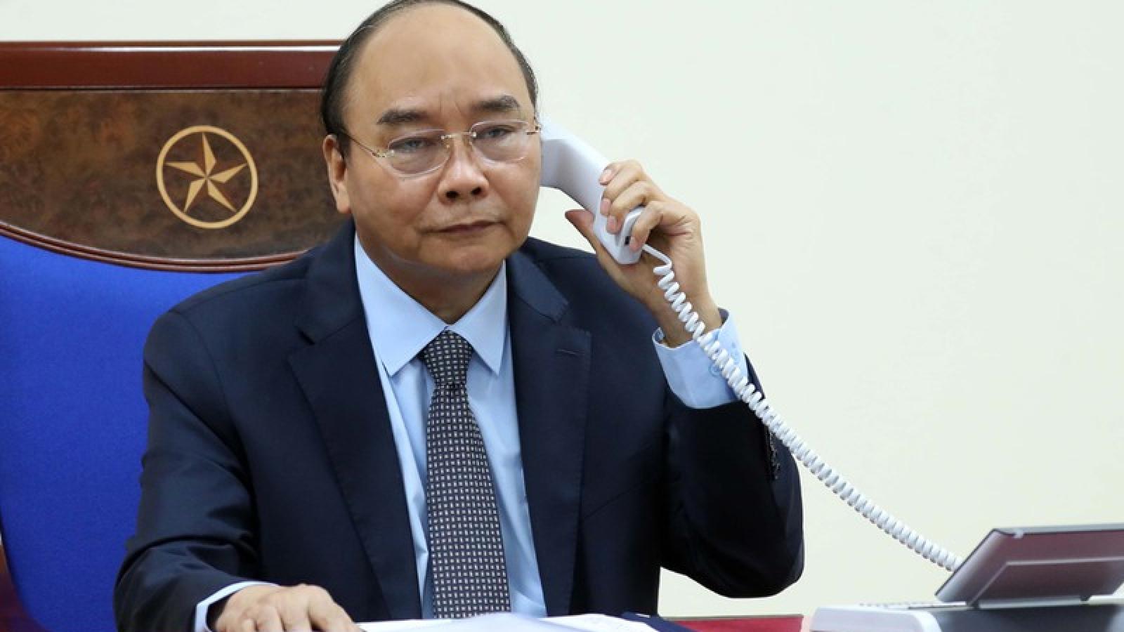 Thủ tướng Nguyễn Xuân Phúc điện đàm với Thủ tướng Liên bang Nga