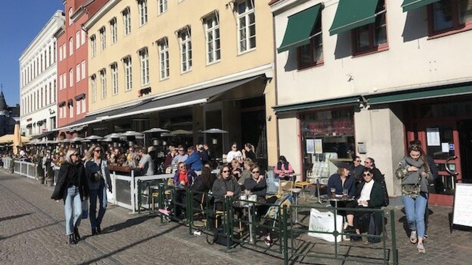 Gần 2.000 ca tử vong do Covid-19, Thụy Điển vẫn đi ngược xu hướng