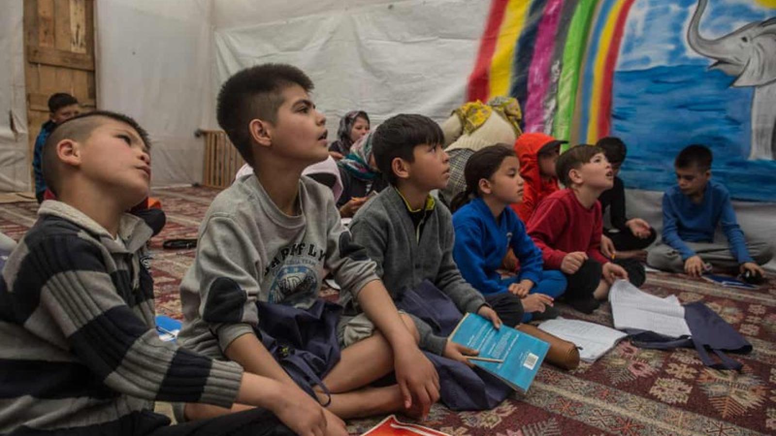 Hy Lạp sẽ đưa trẻ tị nạn không có người đi kèm sang các nước EU