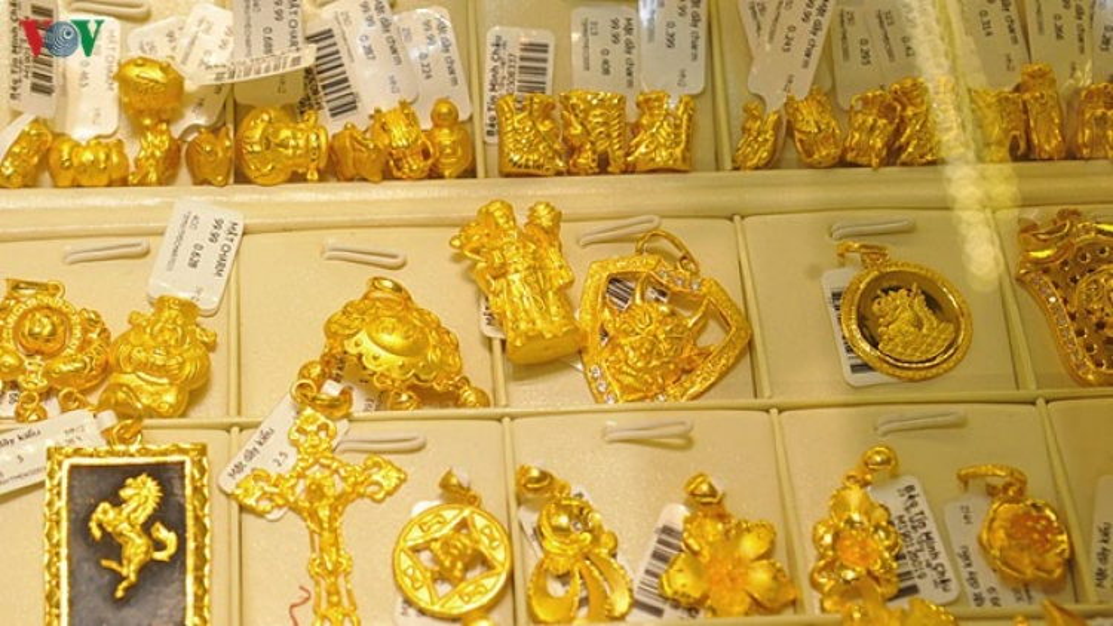 Giá vàng giảm nhẹ phiên giao dịch đầu tuần