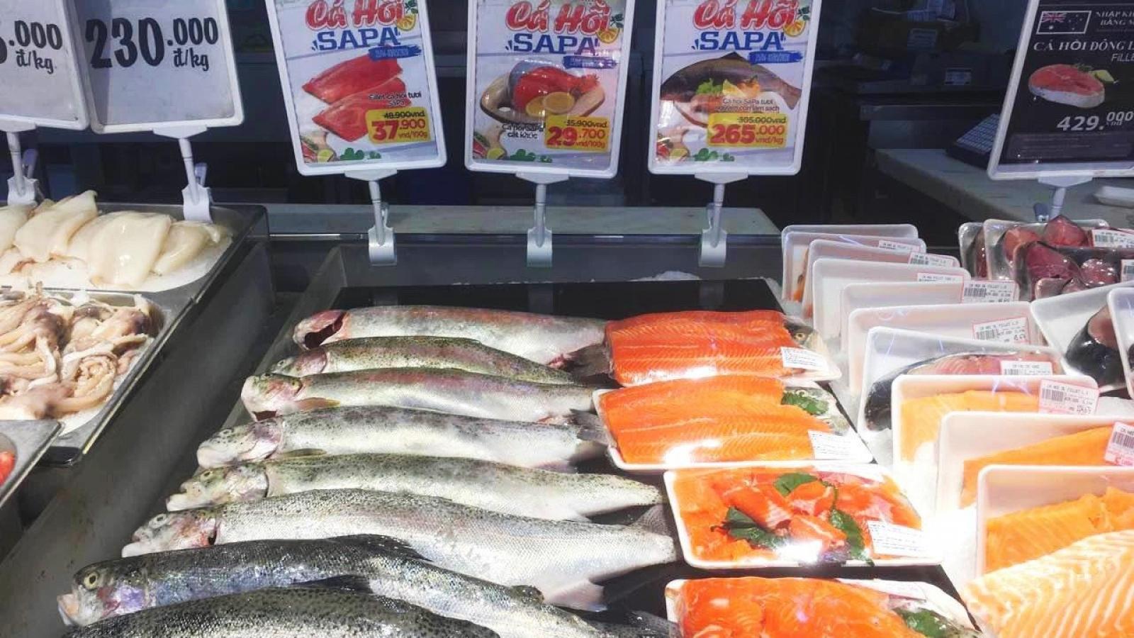 """Vừa nới lỏng cách ly, cá hồi Lào Cai lại tăng giá """"phi mã"""""""
