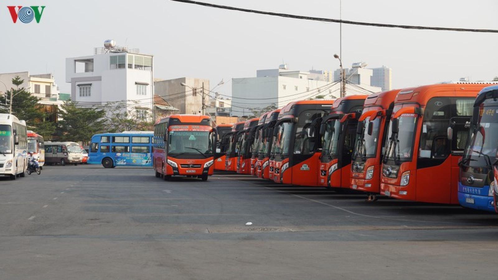 Cho phép xe khách, taxi, xe công nghệ hoạt động tại TP Hồ Chí Minh