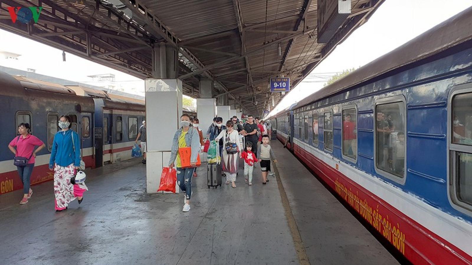 Đường sắt bắt đầu tăng chuyến sau cách ly toàn xã hội