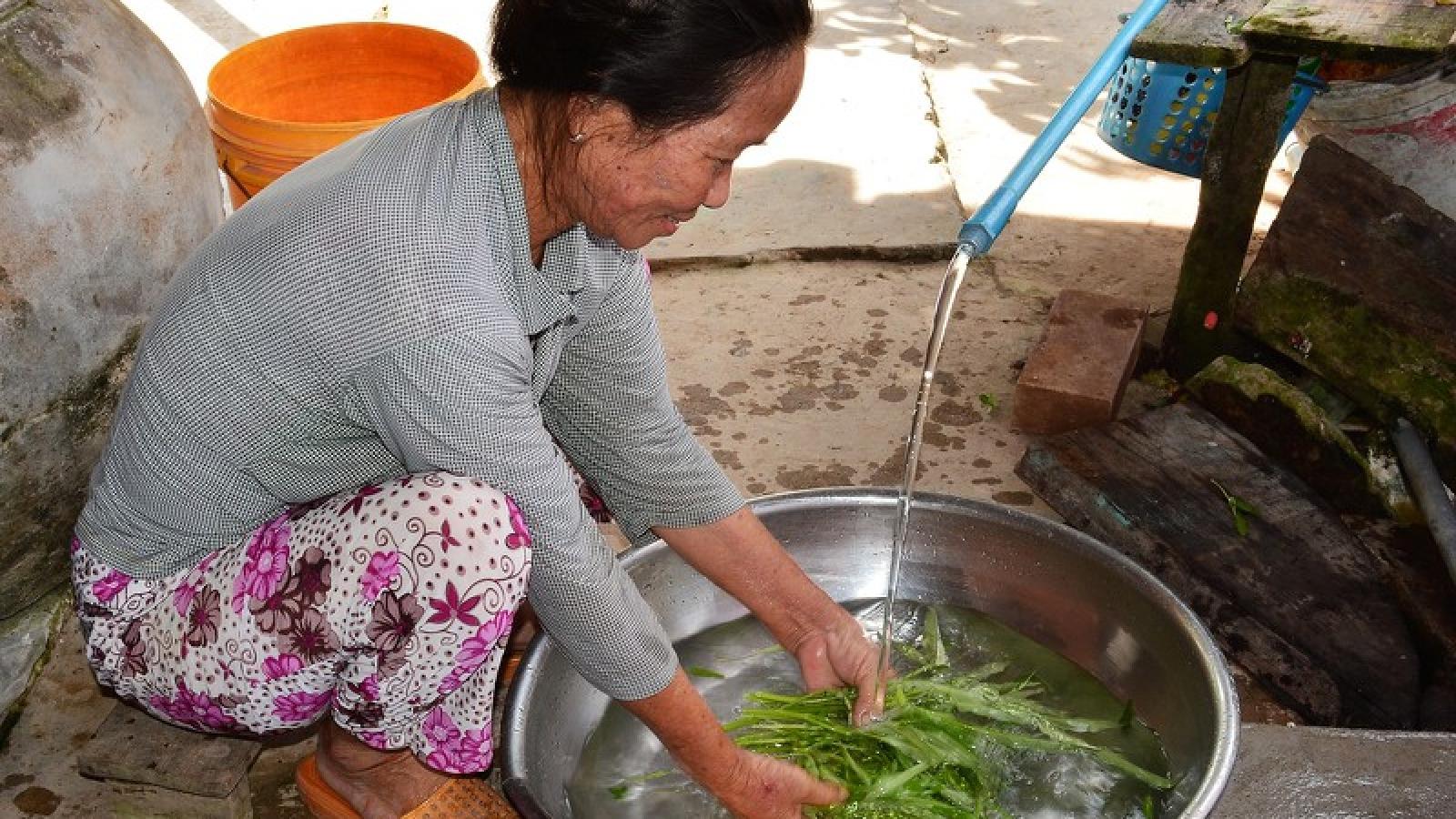 Chương trình nước ngọt miễn phí đến với người dân vùng hạn