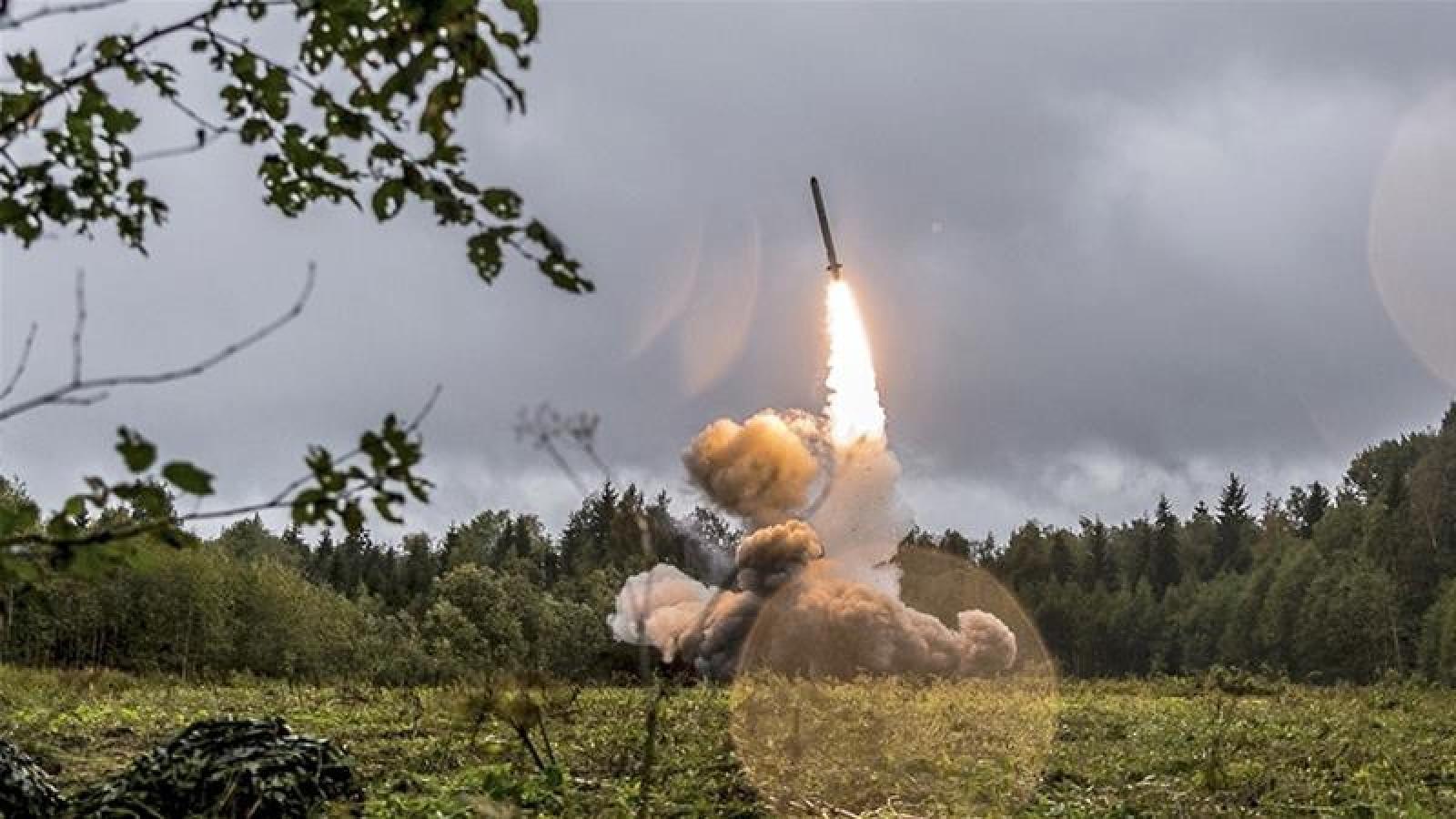 Mỹ muốn một hiệp ước kiểm soát vũ khí hạt nhân với Nga và Trung Quốc