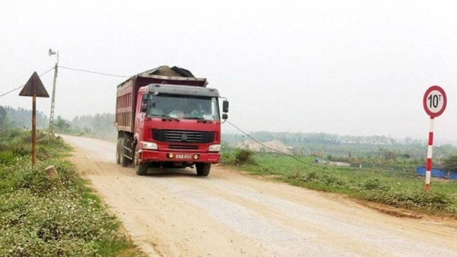 Hà Nội: Vi phạm chở quá tải 100%, 1 lái xe bị tước GPLX 3 tháng