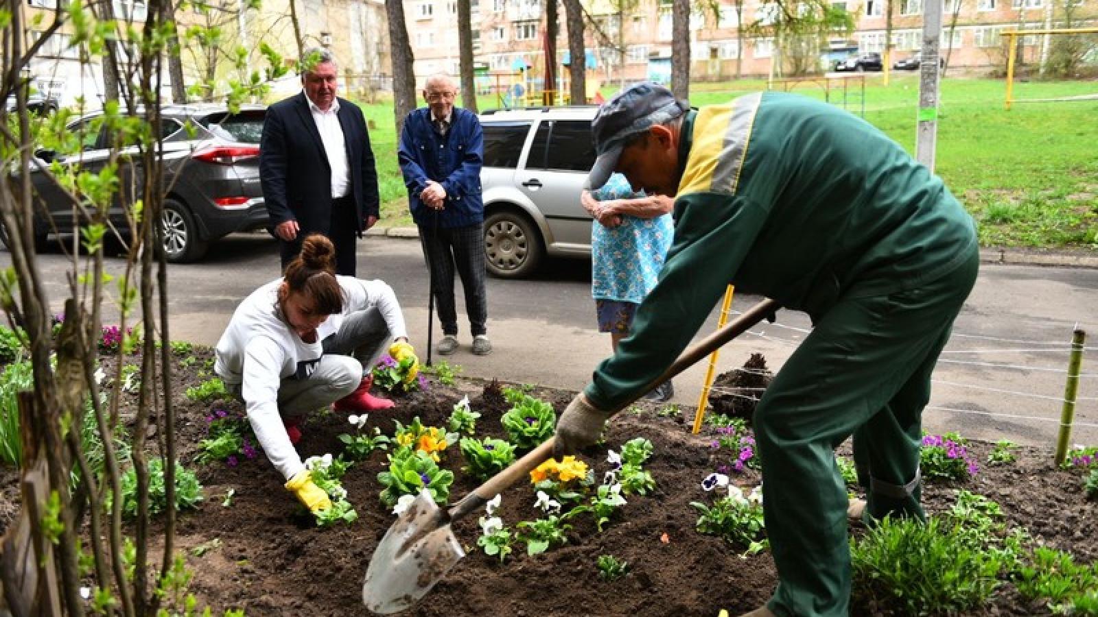 Nhiều hoạt động tri ân các cựu chiến binh diễn ra trên khắp nước Nga
