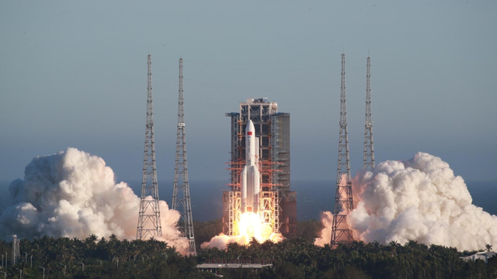 Trung Quốc phóng thành công tên lửa đẩy Trường Chinh 5B